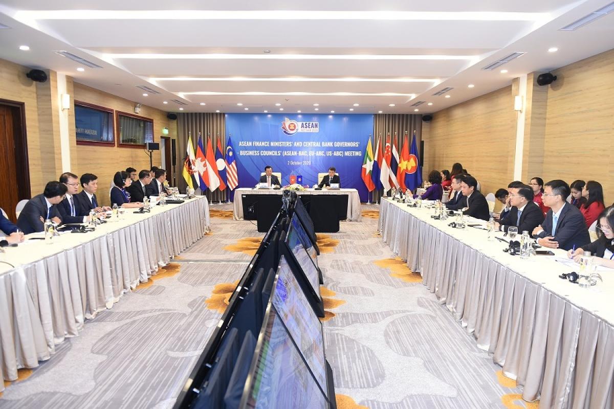 Toàn cảnh phiên đối thoại tại điểm cầu Việt Nam