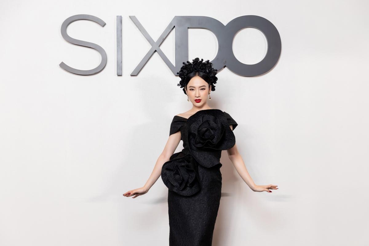 Chính vì show diễn của thương hiệu SIXDO mang nhiều ý nghĩa nhân văn sâu sắc nhằm giúp đỡ trẻ em mồ côi qua lợi nhuận nên nữ diễn viên vô cùng hào hứng khi dự thảm đỏ lần này và không quên ủng hộ Đỗ Mạnh Cường xây dựng thương hiệu mới.
