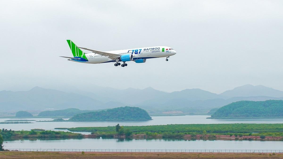 Bamboo Airways tặng vé tất cả tổ chức, cá nhân hoạt động thiện nguyện hỗ trợ đồng bào bị lũ lụt miền Trung.
