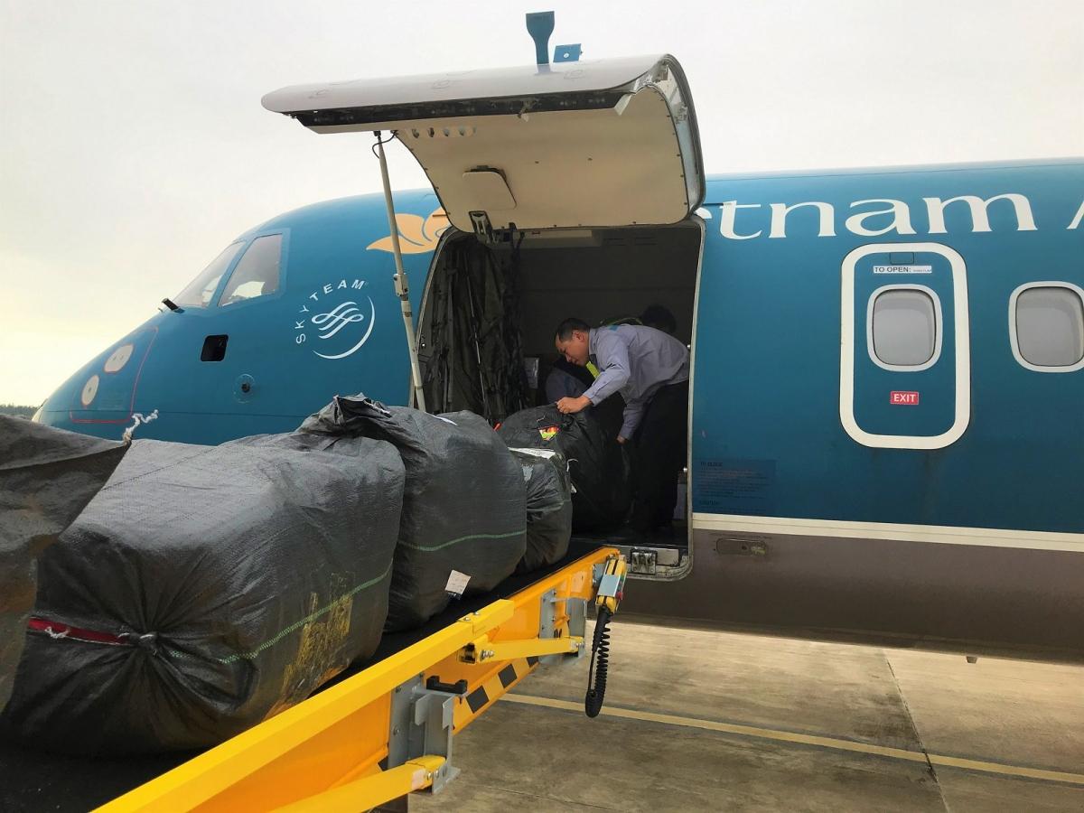 Vietnam Airlines chở hàng miễn phí,tiếp sức cho miền Trung vượt qua bão lũ.