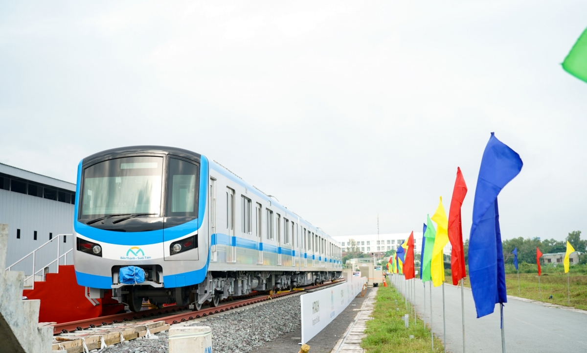 Lễ tiếp nhận đoàn tàu được sản xuất tại Nhật Bản sẽ dùng cho metro tuyến số 1 TP Hồ Chí Minh. Ảnh JICA