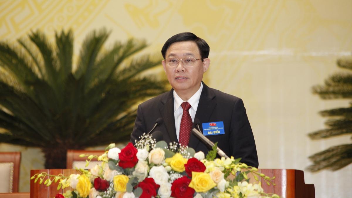 Thay mặt Bộ Chính trị, ông Vương Đình Huệ phát biểu chỉ đạo Đại hội Đảng bộ tỉnh Vĩnh Phúc.
