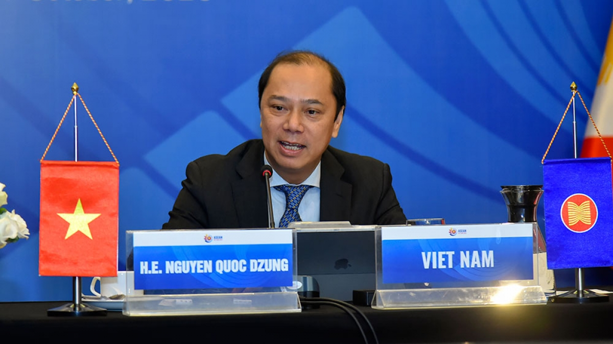 Thứ trưởng Ngoại giao Nguyễn Quốc Dũng.