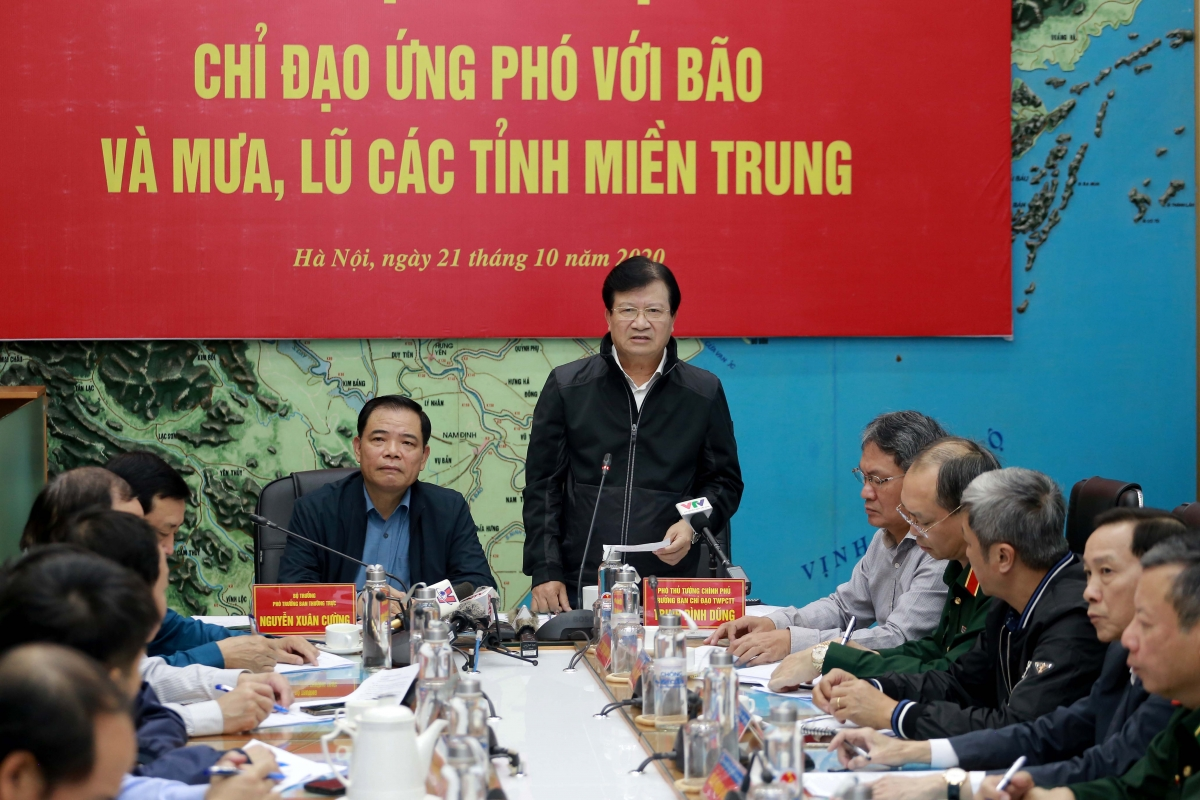 Phó Thủ tướngTrịnh Đình Dũng - Trưởng BCĐ Trung ương về PCTT
