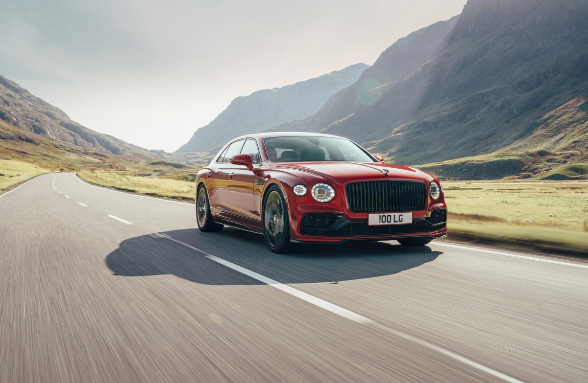 Việc ra mắt thêm phiên bản sử dụng động cơ V8 sẽ giúp Bentley dễ dàng tiếp cận với các thị trường đánh thuế cao vào những dòng xe có dung tích động cơ lớn tại châu Á.