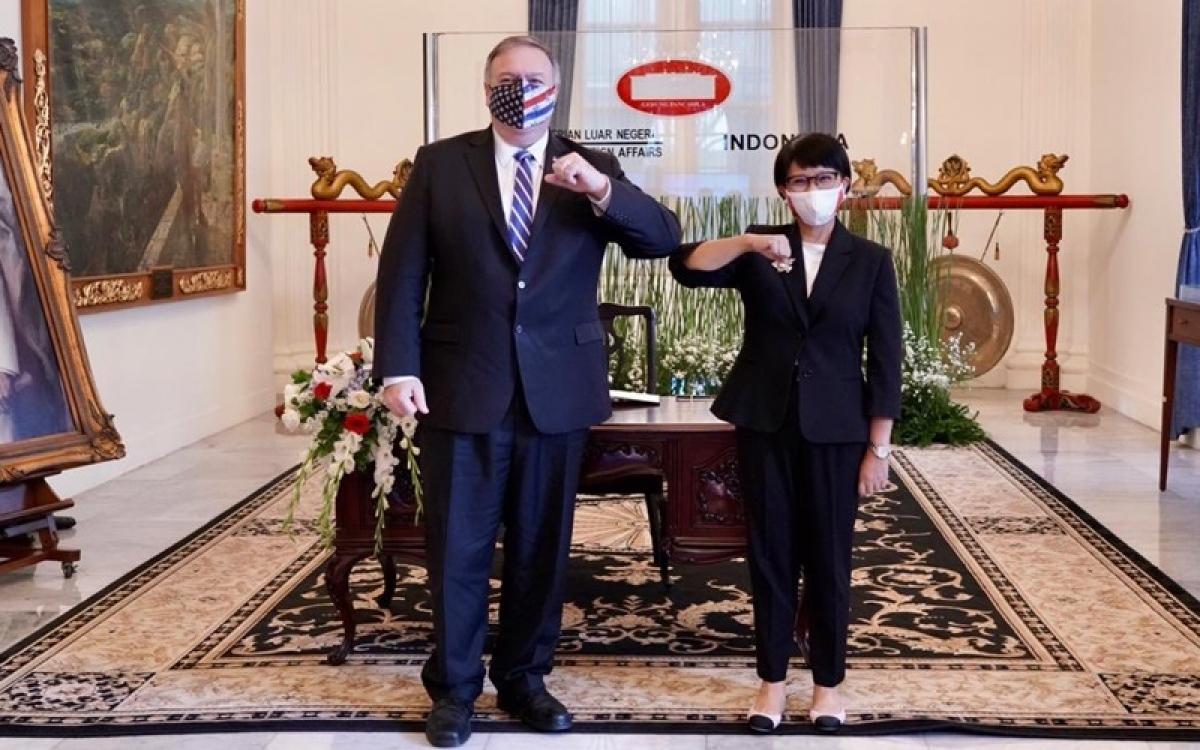 Ngoại trưởng Mỹ Mike Pompeo và Ngoại trưởng Indonesia Retno Marsudi (Nguồn : BNG Indonesia)