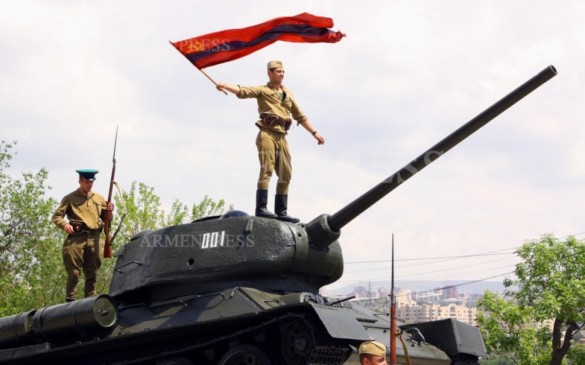 Hình ảnh tái hiện về các chiến sĩ Armenia trong Hồng quân Liên Xô thời Thế chiến 2. Ảnh: ArmenPress.