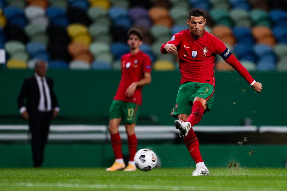 Ronaldo vô duyên khi Bồ Đào Nha đấu Tây Ban Nha (Ảnh: Getty)