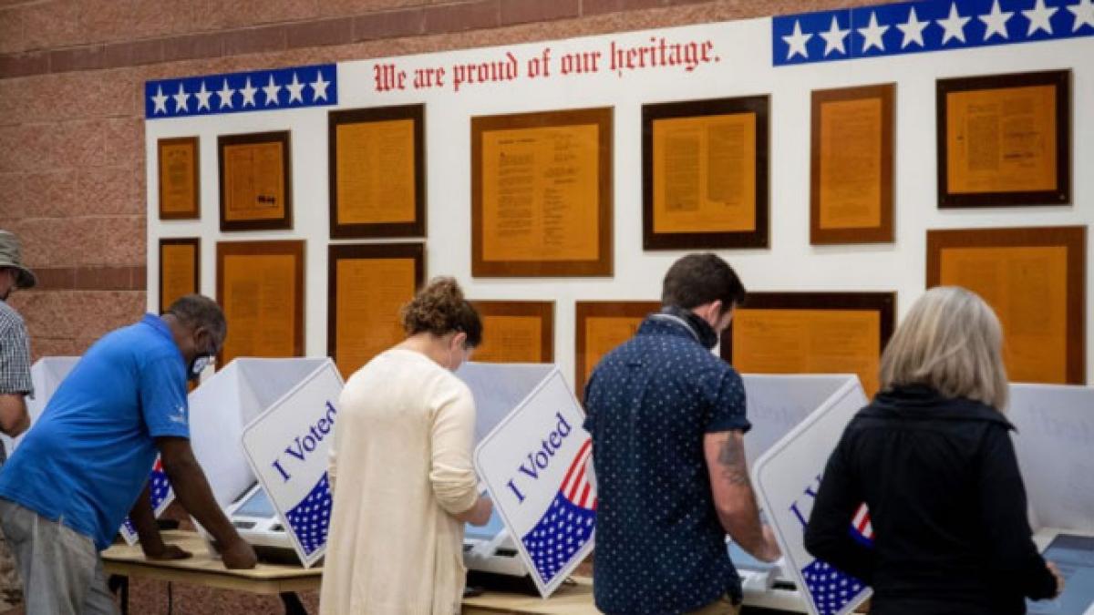 Cử tri North Charleston, South Carolina bỏ phiếu hôm 16/10 (Ảnh: Fox29.com)