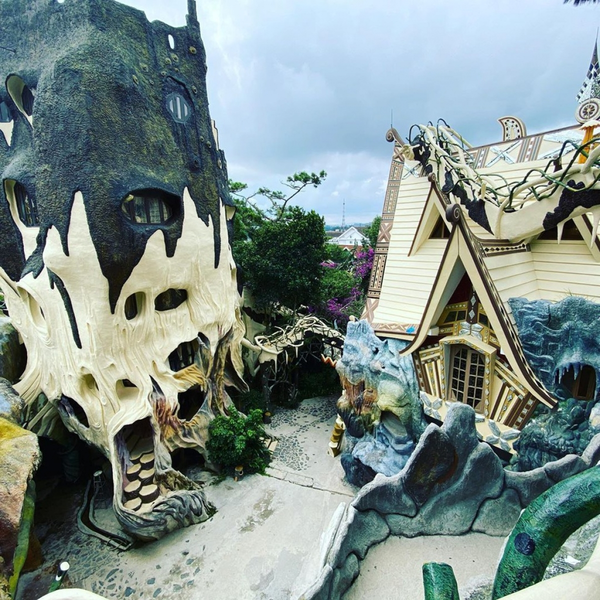 Crazy House was originally built in 1990 and spans a total area of 1,900 square metres. (Photo: Hoalienhoa)