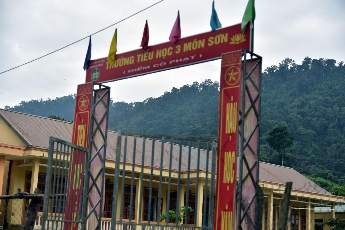 Trẻ em Đan Lai ngày nay cũng đã được đến trường, cuộc sống nơi rừng sâu của tộc người này đang dần thay đổi từng ngày.