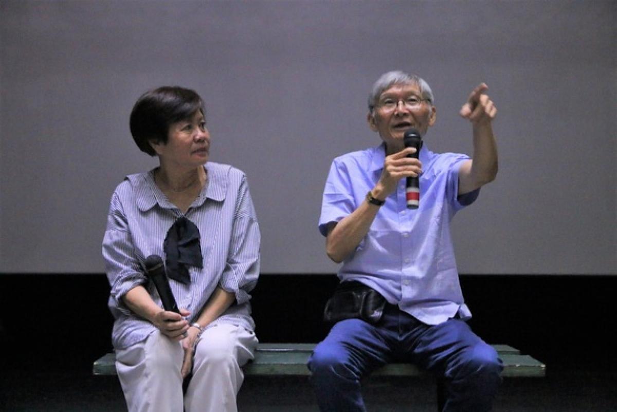 Đạo diễn Hồ Quang Minh (phải) qua đời.