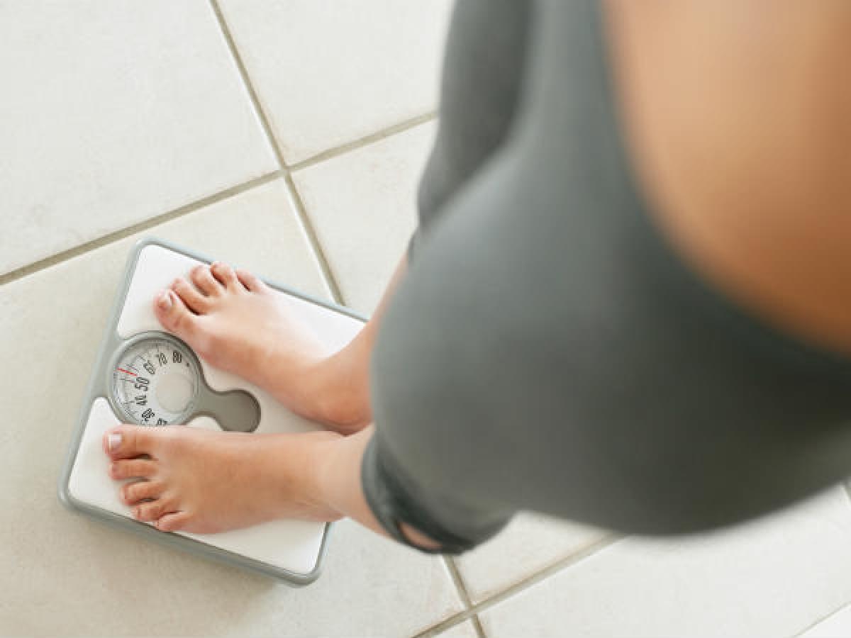 Tăng hoặc sụt cân không rõ nguyên do: Bệnh tiểu đường có thể khiến người bệnh sụt cân hoặc tăng cân đáng kể. Ở phụ nữ, bệnh này còn có thể gây chán ăn hoặc thèm ăn quá mức. Sự biến động về cân nặng có thể là một dấu hiệu của bệnh tiểu đường ở phụ nữ.