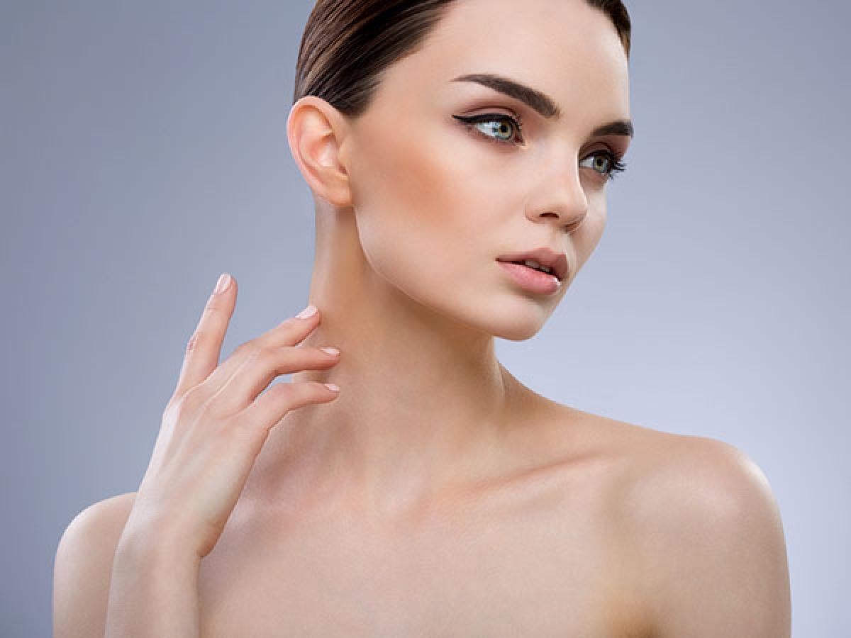 Các chấm đen quanh cổ và nách: Các chấm đen và đỏ sẫm thường xuất hiện ở vùng cổ, bẹn và nách khi hàm lượng glucose trong cơ thể tăng cao. Đây là một triệu chứng về da phổ biến ở người mắc hoặc sắp mắc bệnh tiểu đường./.