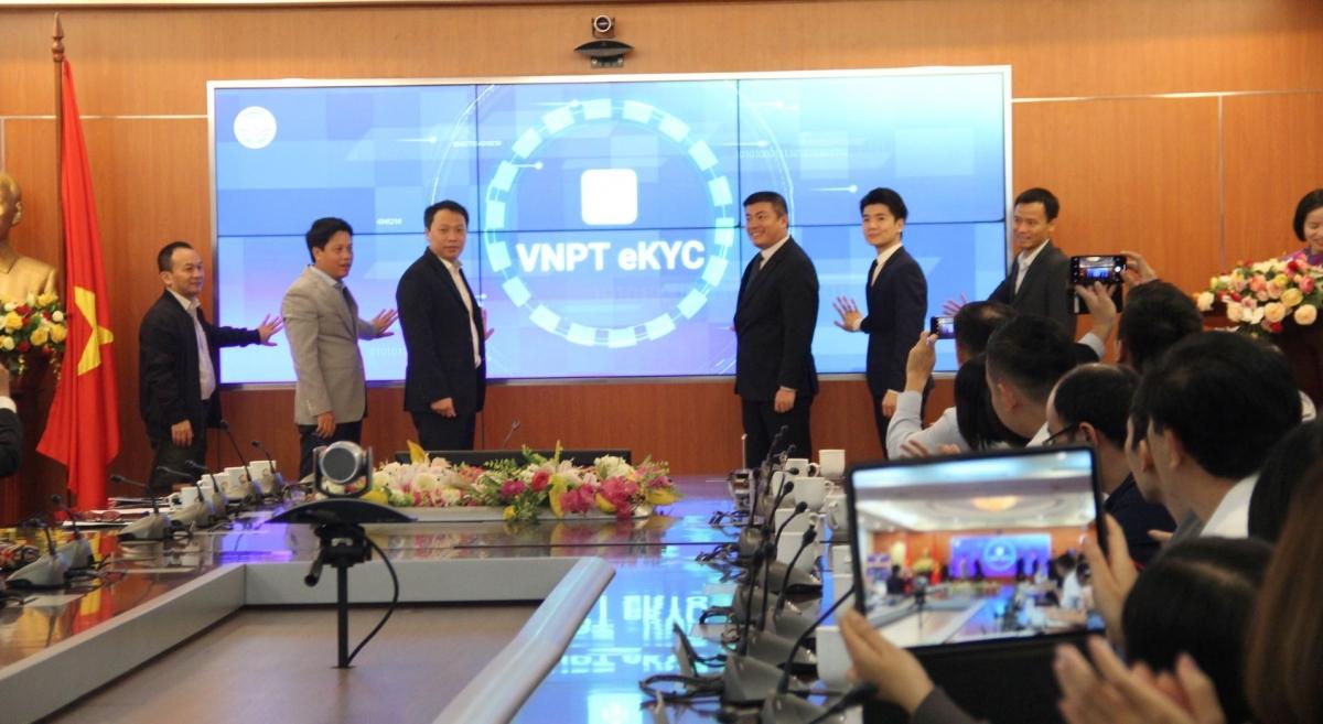 Lễ ra mắt Nền tảng định danh điện tử VNPT eKYC.
