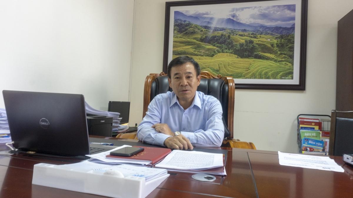 Ông Phạm Toàn Thắng, Trưởng ban Tổ chức Tỉnh ủy Lào Cai nêu ý kiến, Trung ương cần ban hành hướng dẫn cụ thể để cơ sở y tế có thẩm quyền xác nhận cho đảng viên tuổi cao sức yếu để tránh việc có đảng viên hợp pháp hóa việc không phải sinh hoạt bằng giấy khám sức khỏe.