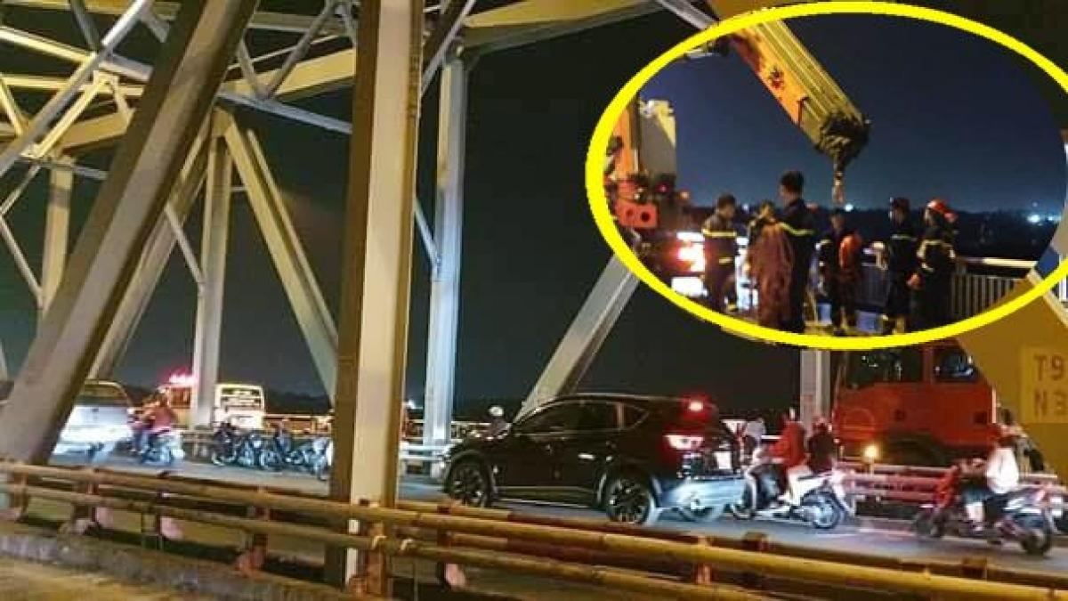 Lực lượng chức năng có mặt cứu nạn nhân.