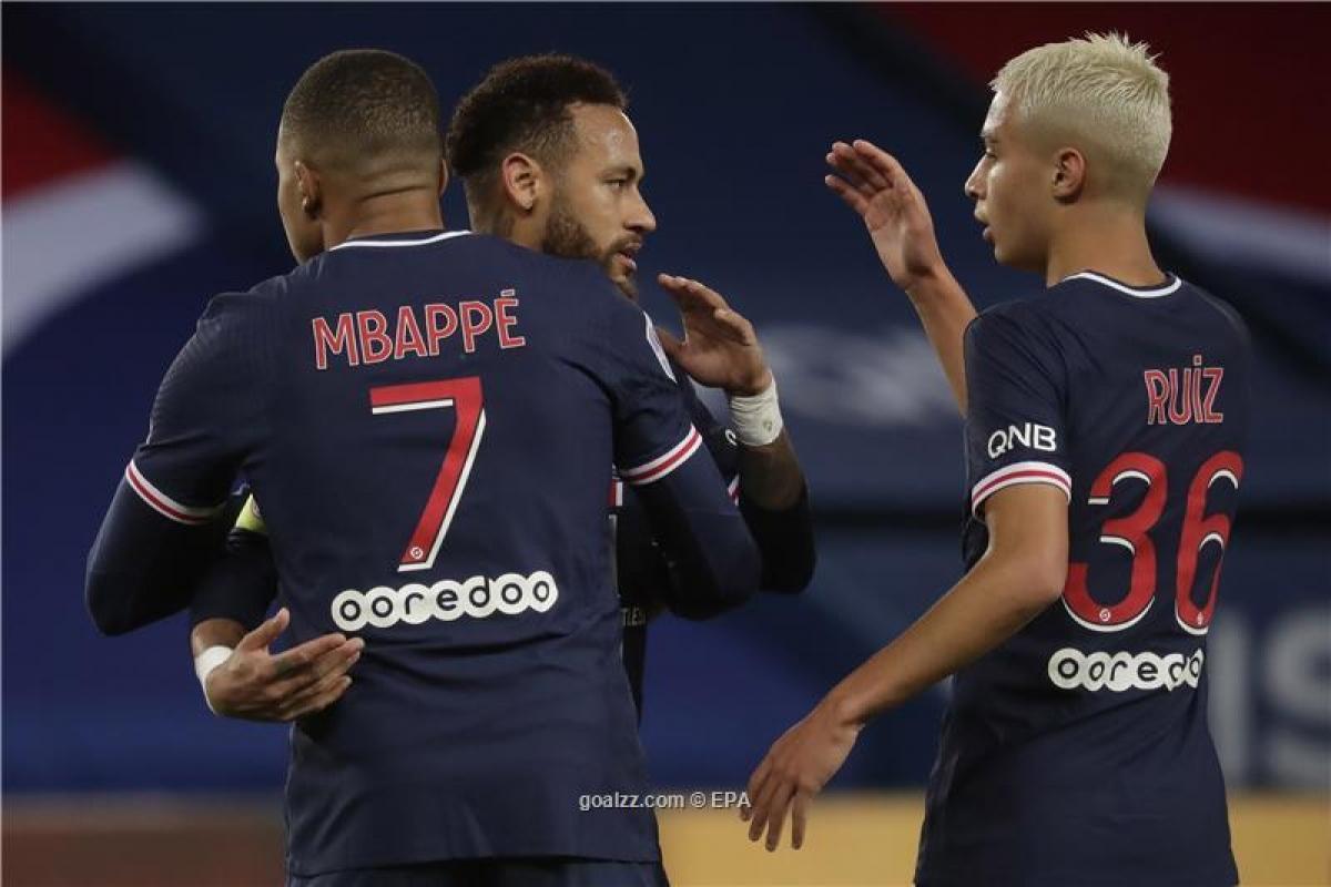 PSG dễ dàng đánh bại Dijon 4-0. (Ảnh: EPA).