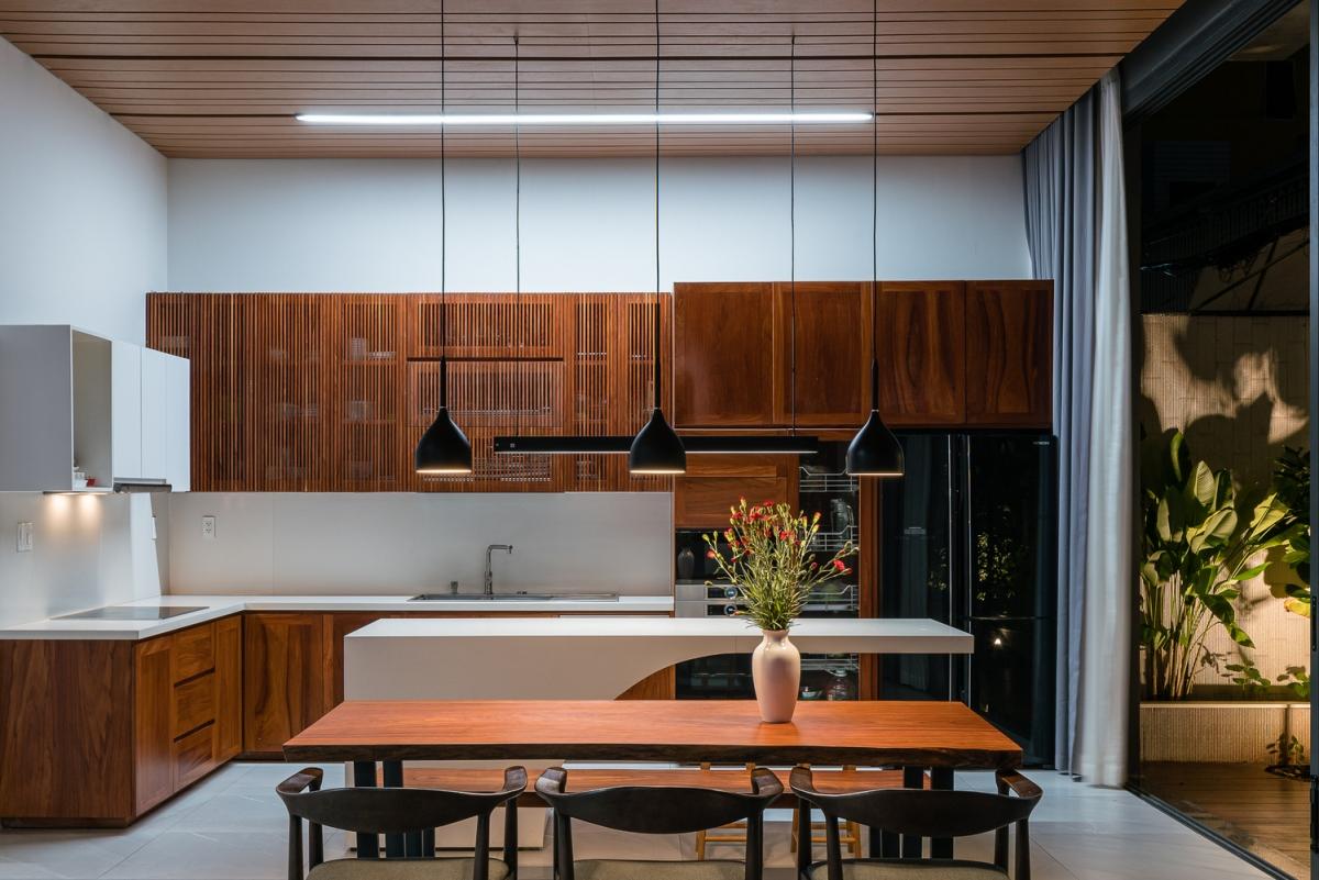Đồ nội thất bằng gỗ sang trọng.