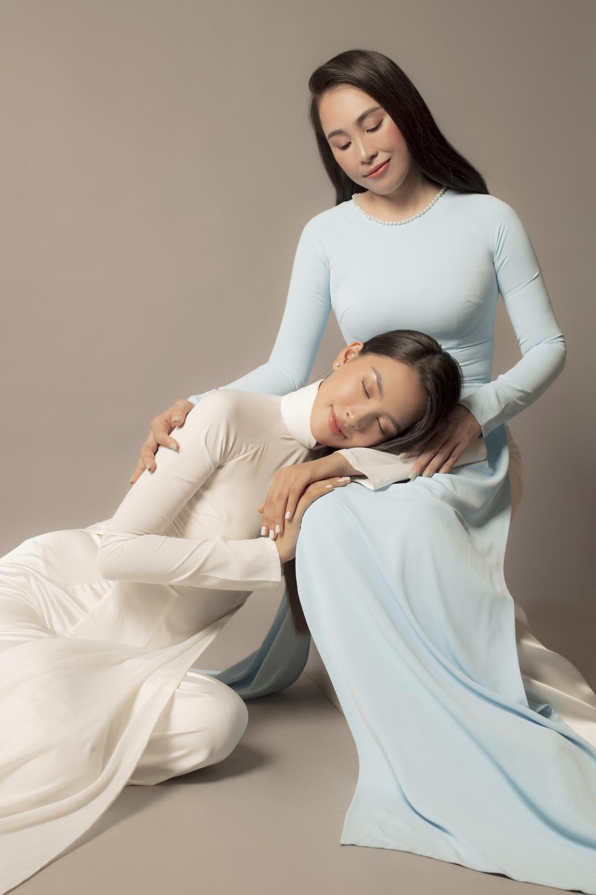 Mẹ của Trần Tiểu Vy khẳng định không muốn quan tâm đến những lời thị phi hay chỉ trích từ đám đông vì chị tin rằng con gái mình vẫn còn thời gian dài để trưởng thành và cố gắng.