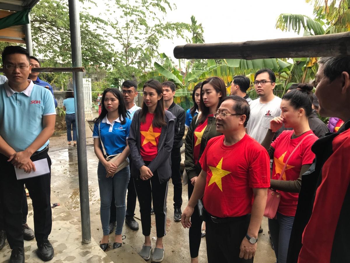 Mặc dù đường đi còn khó khăn trắc trở nhưng BTC Hoa Hậu Việt Nam cho biết cả đoàn đang cố gắng hết sức để trao tận tay số tiền còn lại cho những khu vực còn chịu ảnh hưởng sau bão.