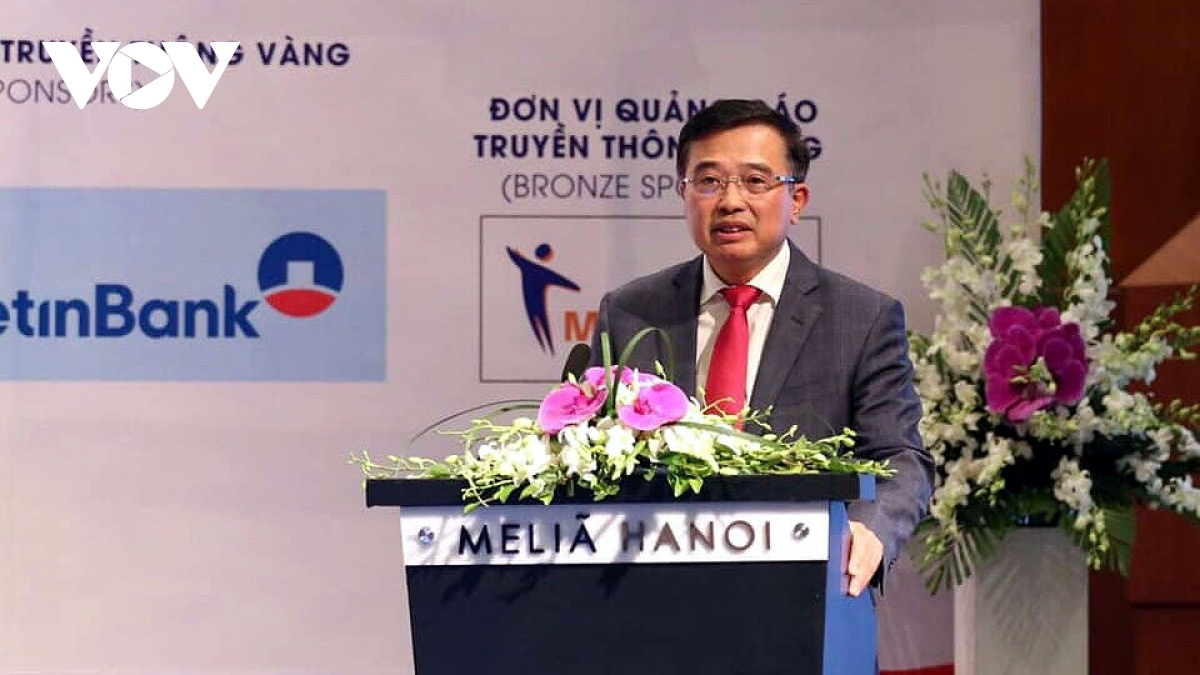 Deputy Minister of Industry and Trade Hoang Quoc Vuong speaks at the event