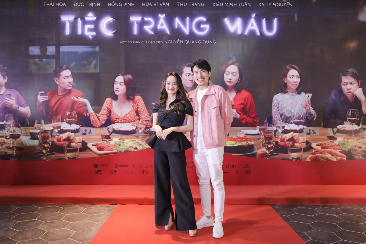 Còn cặp đôi Kaity Nguyễn và Kiều Minh Tuấn tái hợp trong vai cặp đôi vợ chồng chưa cưới.