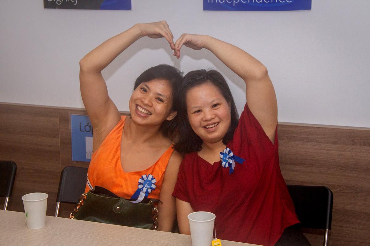 Hương Mai và em gái L.A.