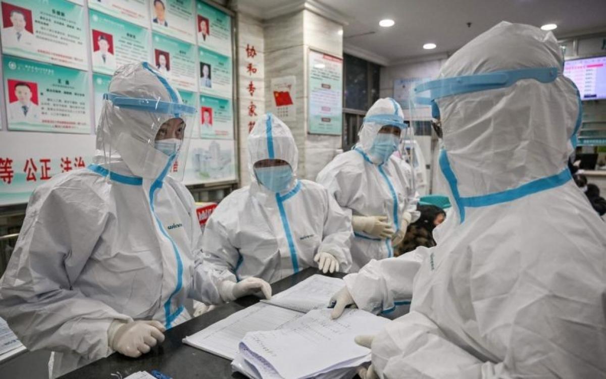 Nhân viên y tế Trung Quốc. Ảnh: AFP.