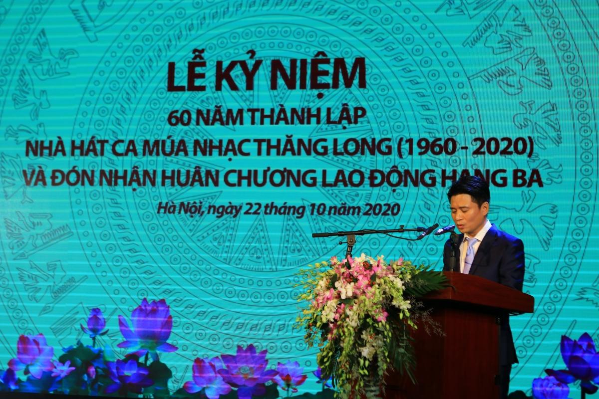 NSƯT Tấn Minh điểm lại quá trình 60 năm xây dựng và phát triển Nhà hát Ca Múa Nhạc Thăng Long.