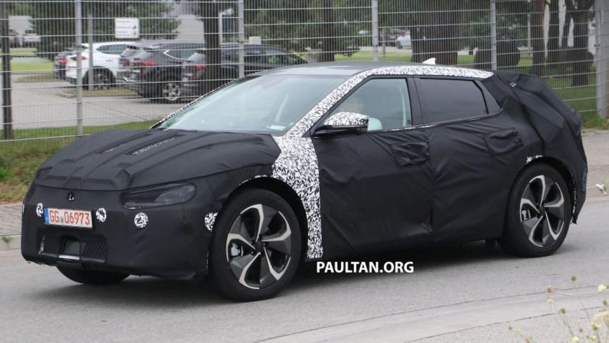 Chiếc Kia Futuron sẽ được bổ sung phiên bản EV vào năm sau