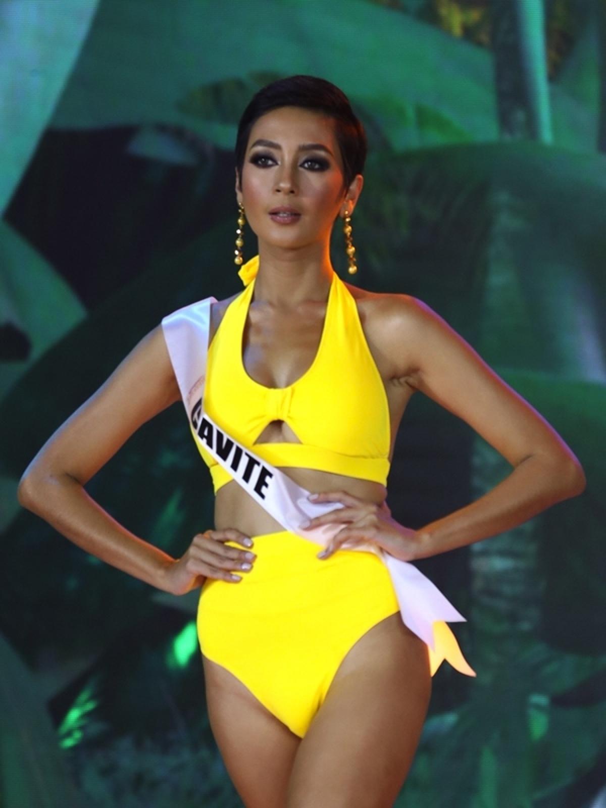 Kimberly Hakenson đại diện của Cavite.