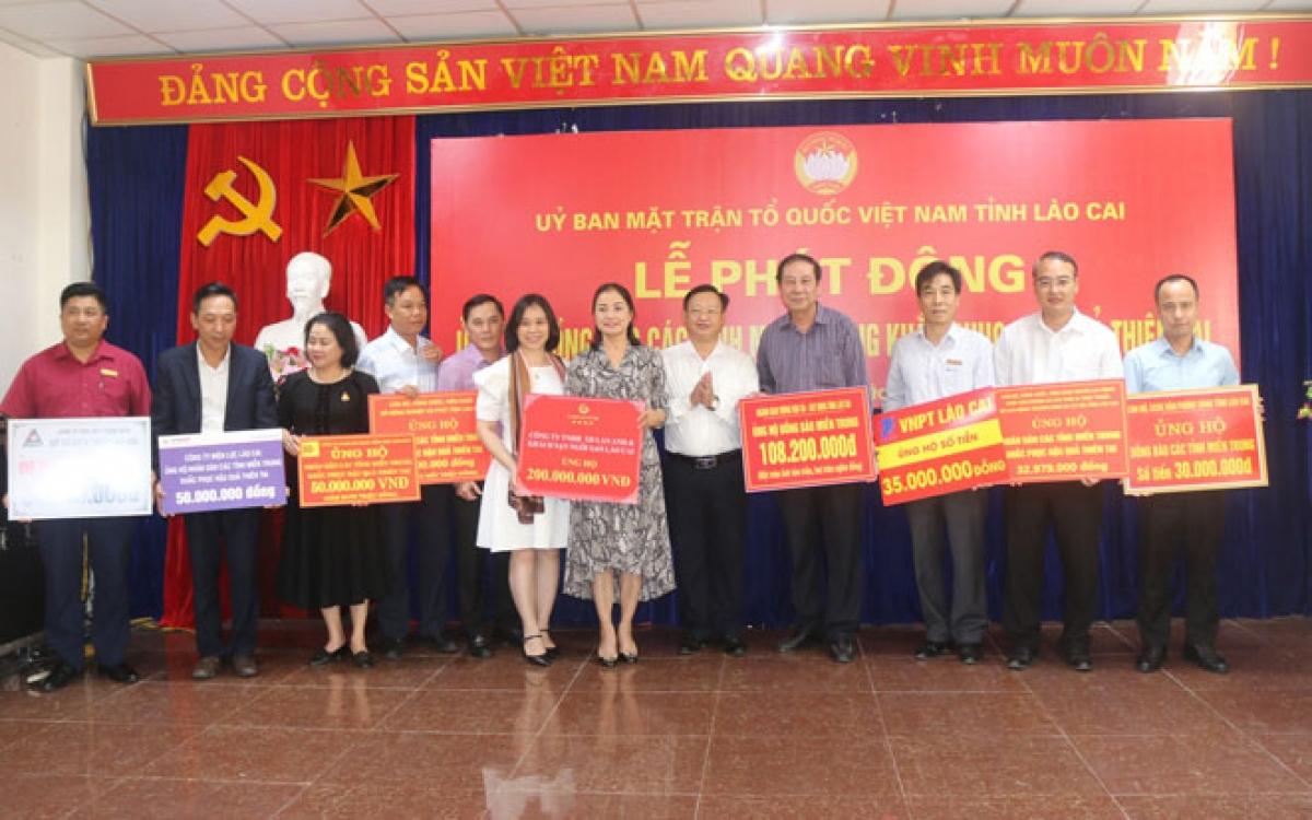 Ủy ban Mặt trận Tổ quốc Việt Nam tỉnh Lào Cai kêu gọi ủng hộ đồng bào Miền Trung khắc phục thiên tai.
