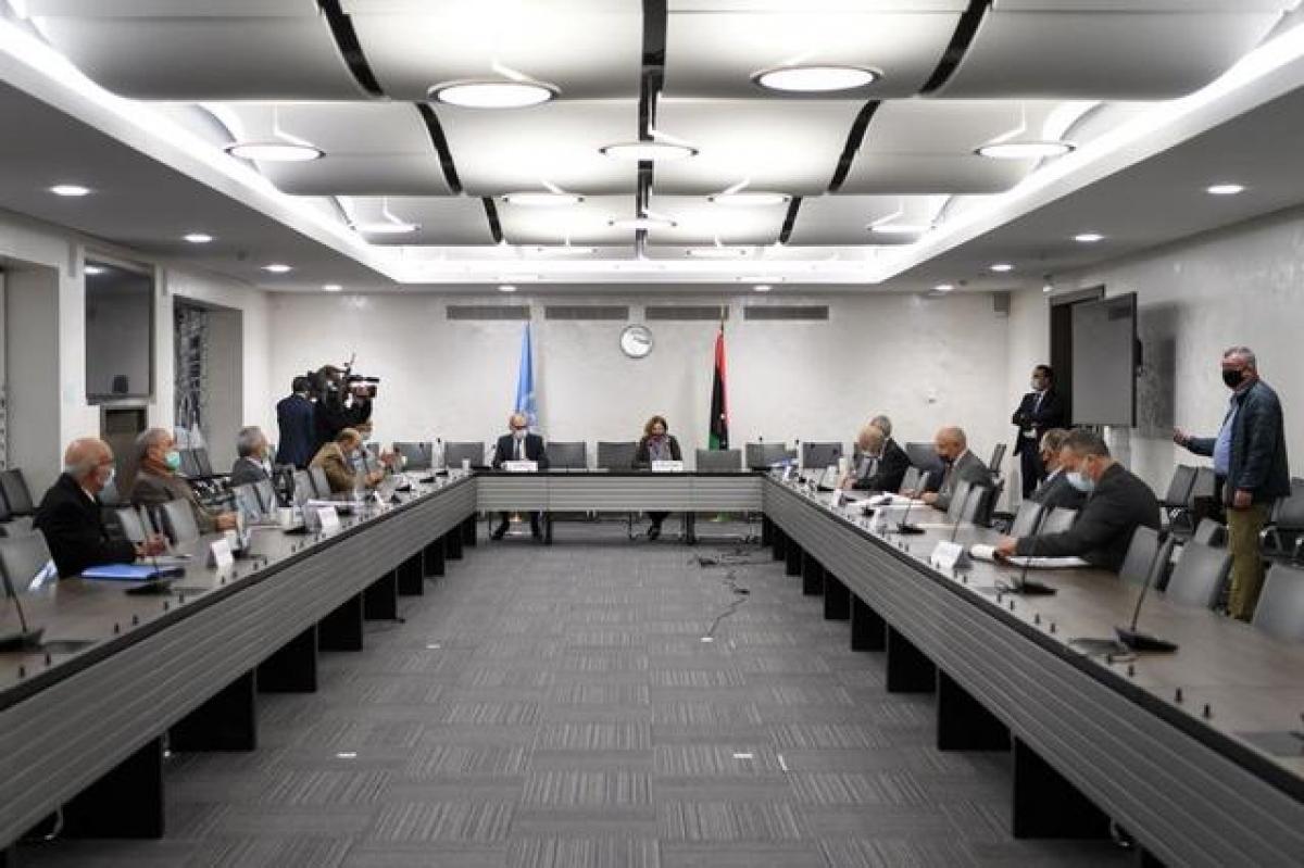 Sau 5 ngày thảo luận tại Geneva (Thụy Sĩ) dưới sự trung gian của Liên Hợp Quốc, các bên tham chiến tại Libya hôm qua (23/10) nhất trí được một thỏa thuận ngừng bắn lâu dài và ngay lập tức. Ảnh: Reuters