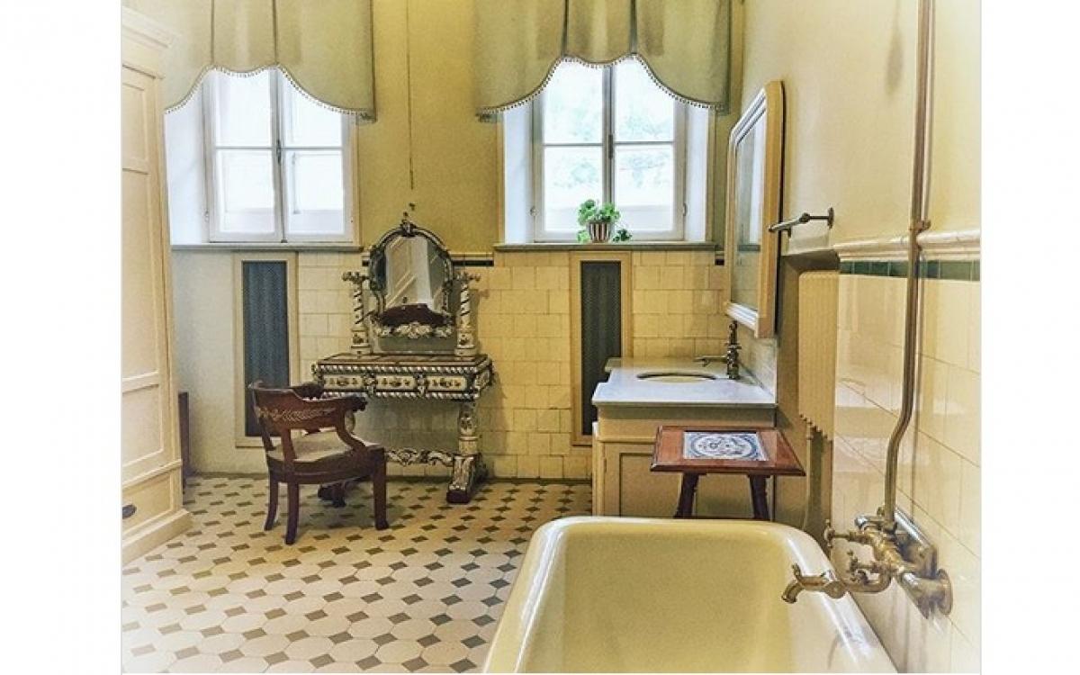 Phòng tắm nơi não của Lenin được lấy ra khỏi hộp sọ ngay sau khi ông qua đời. Ảnh: Instagram.