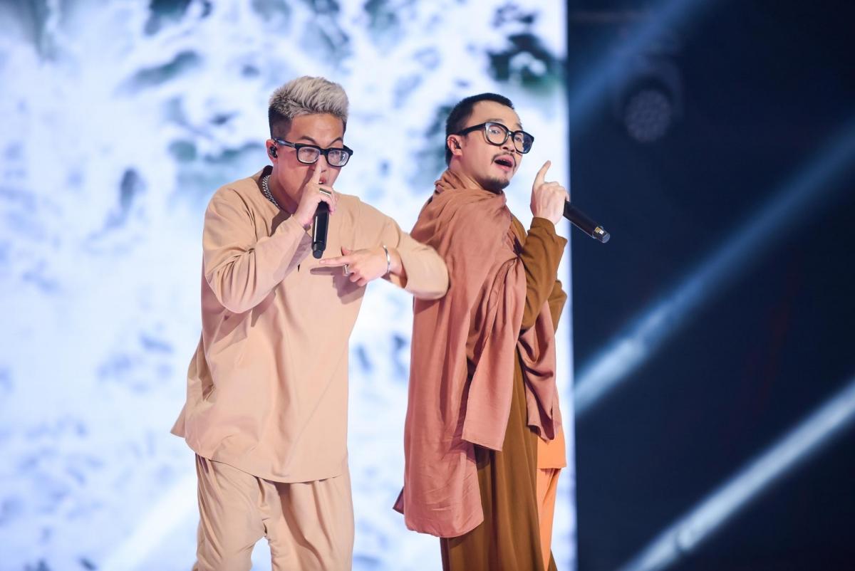 RichChoirap xuất thần trên nền nhạc Trịnh cùng Hà Lê