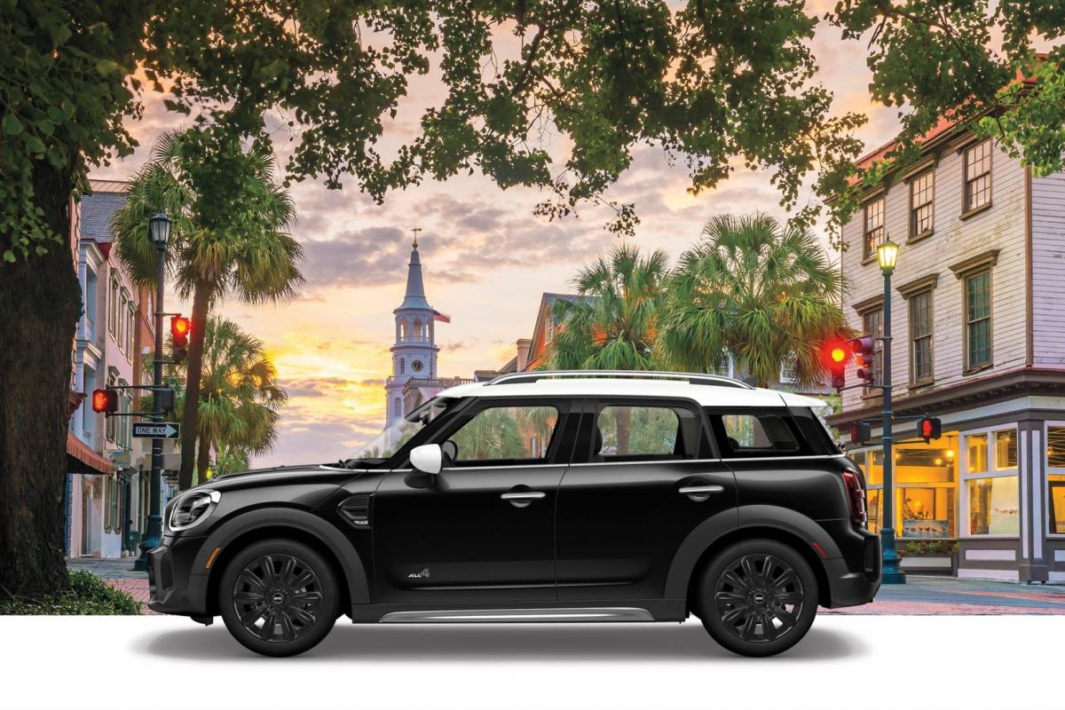 Mini sẽ bán ra mắt bản đặc biệt Cooper 1499 GT với giá là 27.040 USD trong khi bản Oxford sẽ có giá là 26.500 USD cho cấu hình tiêu chuẩn và 28.500 USD cho cấu hình ALL4 hai cầu./.