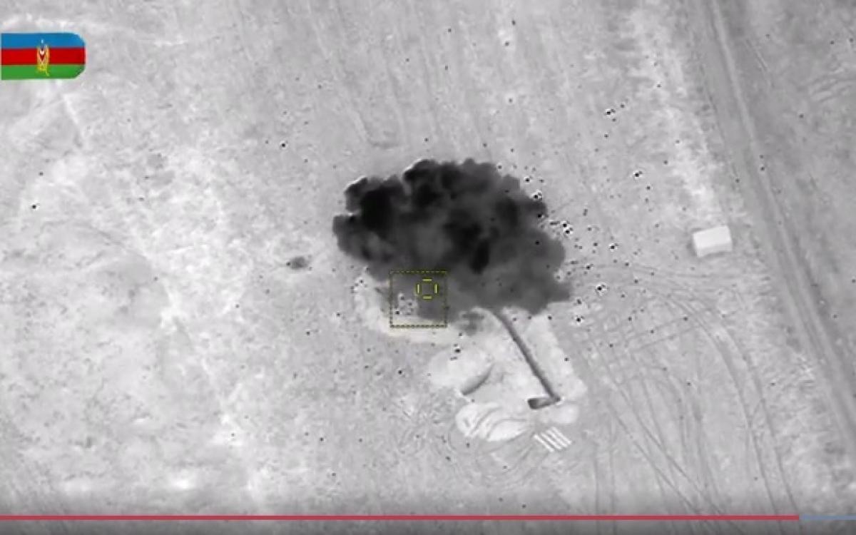 UAV của Azerbaijan tiêu diệt mục tiêu là bệ phóng rocket của đối phương đang nằm trong công sự. Ảnh: Bộ Quốc phòng Azerbaijan.