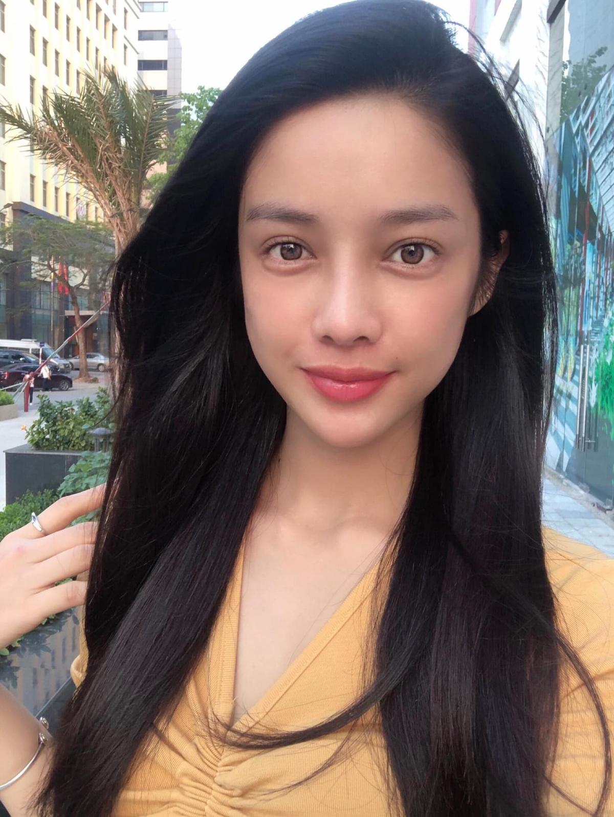 Mỹ Duyên gây ấn tượng khi tham gia The Face 2017 và tiếp tục tạo dấu ấn với khán giả bằng danh hiệu Người đẹp Áo Dài trong cuộc thi Hoa hậu Hoàn vũ Việt Nam 2017.