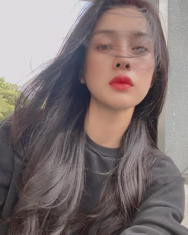 Trình Mỹ Duyên sinh năm 1995 tại Tuyên Quang. Cô là gương mặt khá quen thuộc trong các cuộc thi nhan sắc.