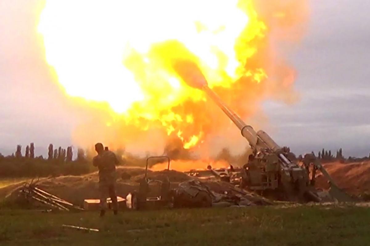 Chiến sự ở khu vực Nagorno-Karabakh. Ảnh: Reuters