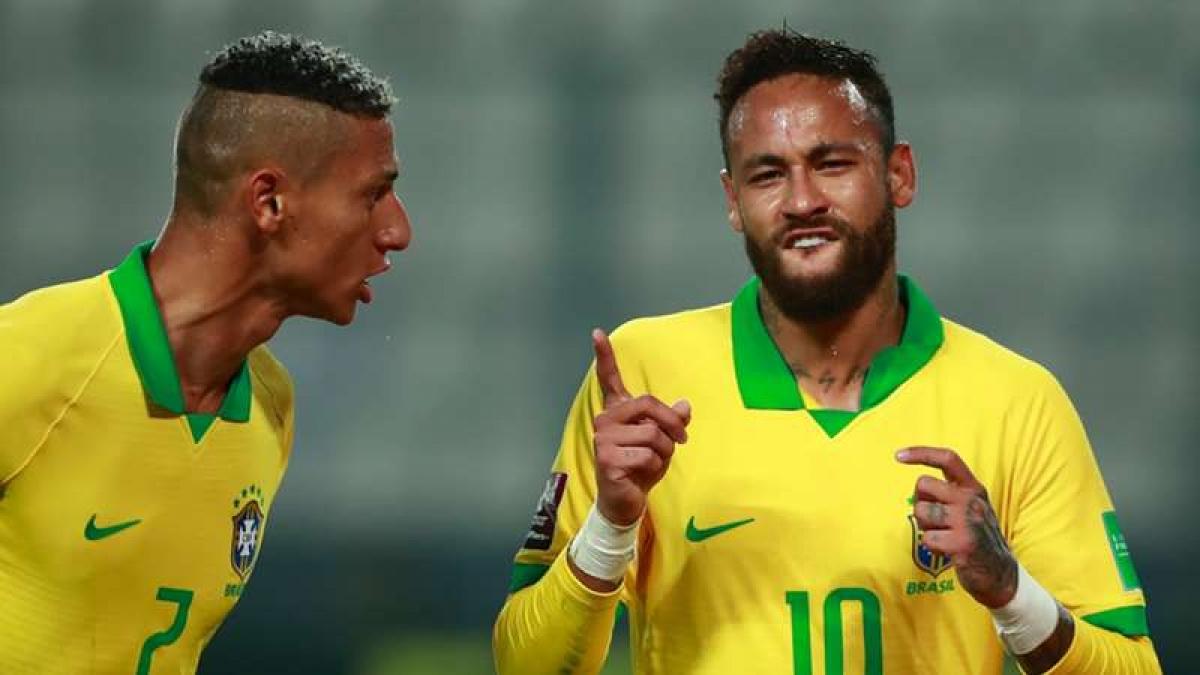 Neymar trở thành chân sút xuất sắc thứ 2 lịch sử ĐT Brazil với 64 bàn thắng. (Ảnh: Getty).