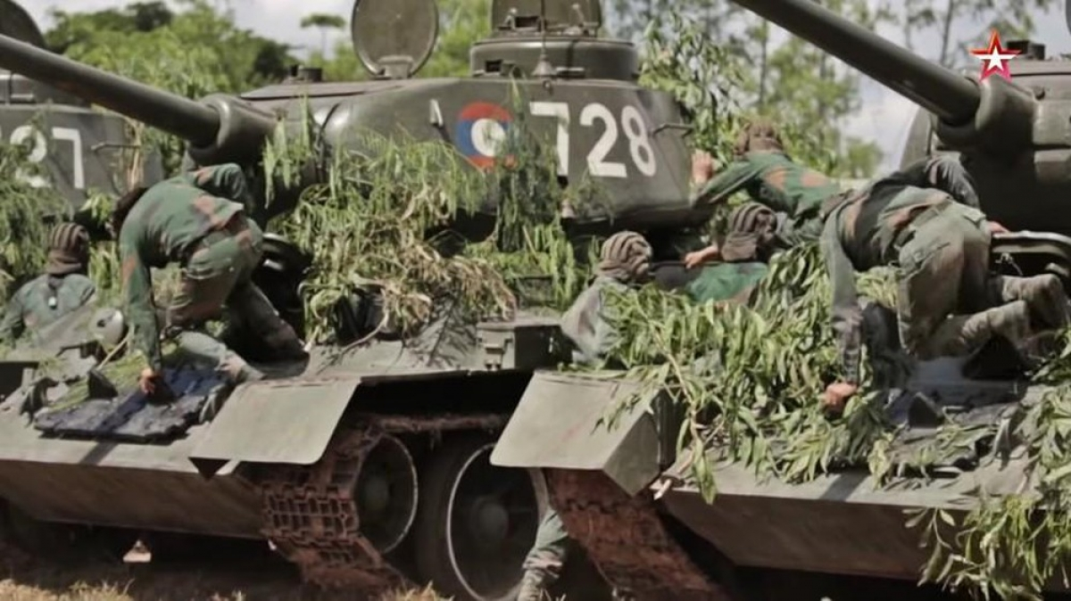 Nga giúp Lào đào tạo nhân lực quốc phòng. Ảnh: KT.