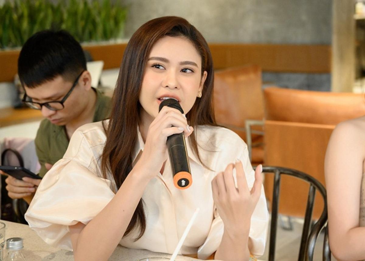 Ca sĩ/ diễn viên Trương Quỳnh Anh.
