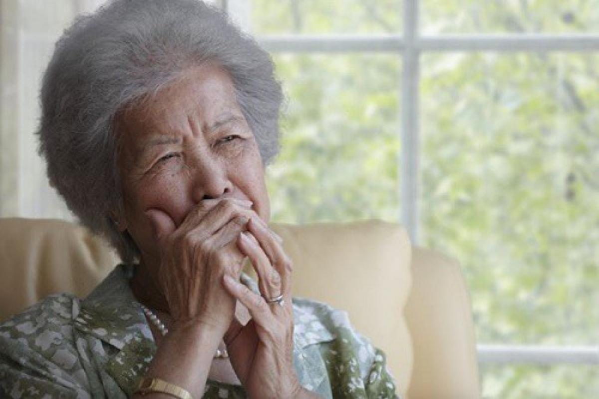 Đừng để khi về già mới tiếc nuối những gì đã không làm ngày còn trẻ (Ảnh minh họa internet)