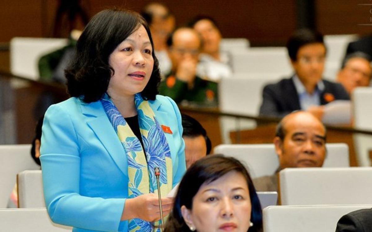 Đại biểu Nguyễn Thị Mai Hoa, Ủy viên Thường trực Ủy ban Văn hóa giáo dục, thanh niên, thiếu niên và nhi đồng của Quốc hội.