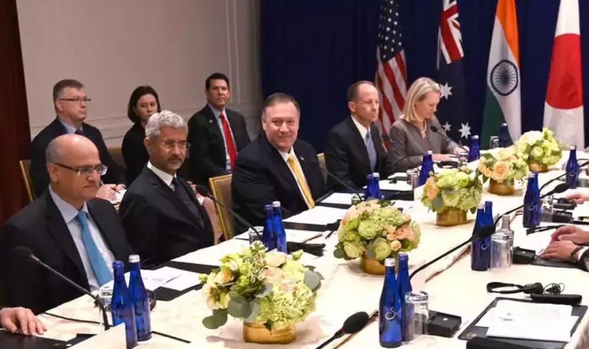 Ngoại trưởng Mỹ Mike Pompeo (thứ 3 từ trái sang, hàng đầu) trong một cuộc họp của nhóm Bộ tứ. Ảnh: Times of India.