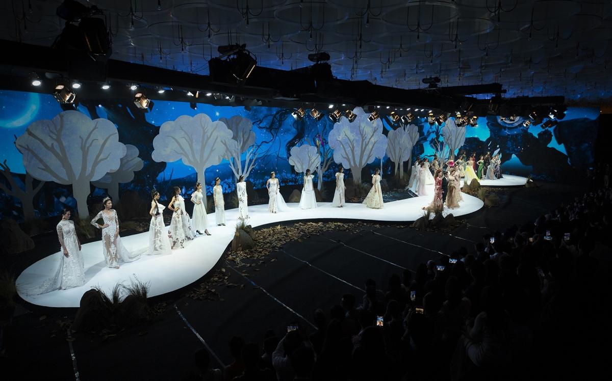 Vietnam Runway Fashion Week diễn ra vào tối 29/10 tại TP.HCM.