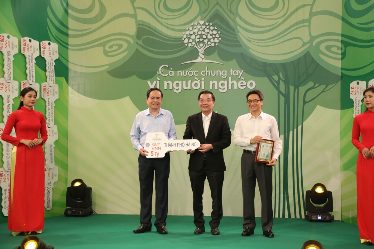 Thành phố Hà Nội ủng hộ 5 tỷ đồng.