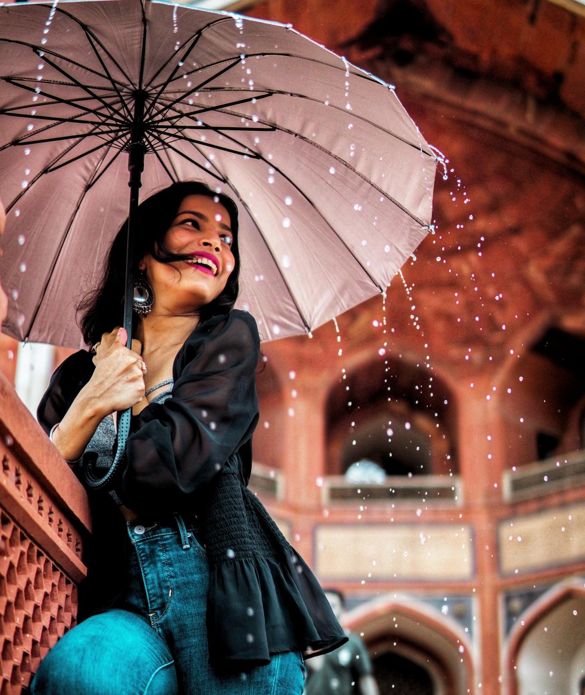 Chuẩn bị tốt sẽ giúp bạn tận hưởng chuyến đi du lịch dù gặp trời mưa.